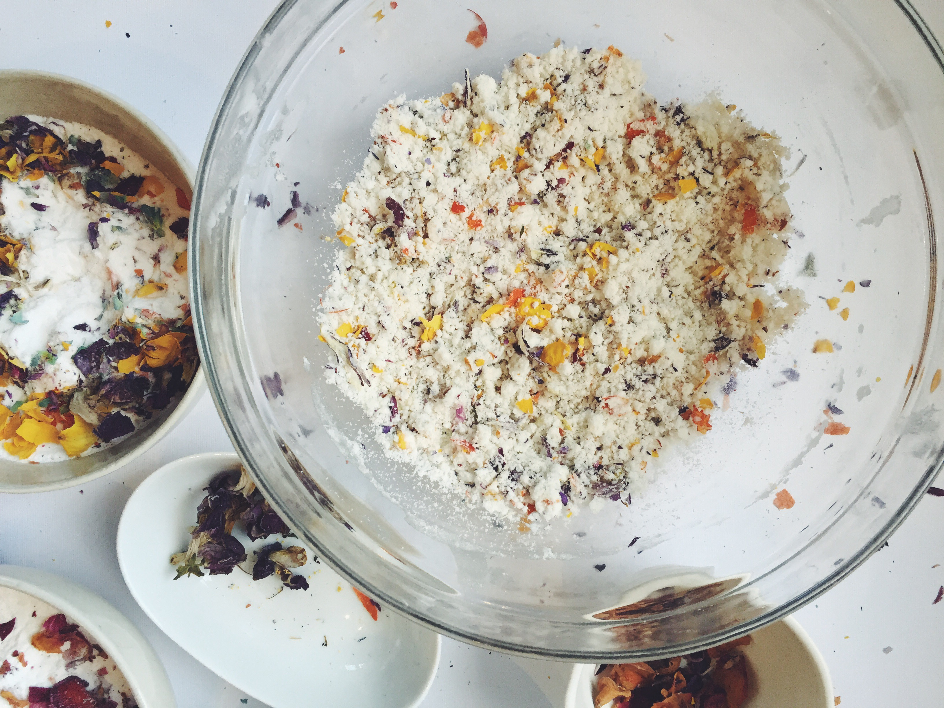 natural easter egg bath bomb diy dried flowers essential oils